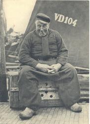 WAT006003452 Jan Tol (Jan van de Krap), visser, geboren op 03-06-1868 te Volendam, overleden op 02-12-1942 te Volendam ...