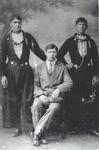 WAT006003757 Drie gebroeders Veerman: Evert Seek, Jan Jumbo, en Gerrit van Tuis Evert Veerman Seek, geboren 15-10-1887, ...