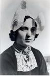 WAT006004124 Pietje Stroek, geboren op 09-07-1924 te Volendam, dochter van Jan Stroek (Jan Rus), visser, en Aagje Pelk. ...