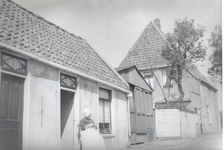 WAT006004139 Geertje Kloot, geboren ± 1887 te Volendam, overleden 04-03-1966 te Edam, dochter van Jan Kloot en Neeltje ...