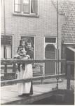WAT006004725 Geertje Steur (van de Sjor), geboren op 07-11-1922 te Volendam, ongehuwd, dochter van Cornelis Steur ...
