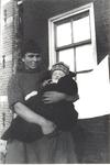 WAT006004729 Neeltje Keijzer (Zwarte Neel), geboren 05-07-1897 te Volendam, overleden op 16-09-1965 te Volendam op ...