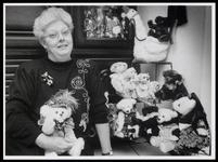 WAT003006519 Berenmaakster Jolanda Staarthof heeft al 140 beren gemaakt (Rubriek Allemensen in NNC)