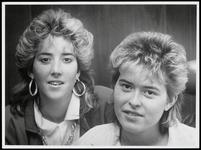 WAT003007098 Stefanie en Brigitte Klaassen