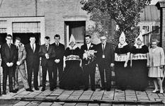 WAT120000937 Gezin. (E461E).Hendrik Runderkamp (de Worst), groentenhandelaar, geboren op 23-05-1911 te Volendam, ...
