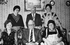 WAT120001086 Gezin. (E563E).Kinderen uit het huwelijk van Hendrik Steur en Trijntje Smit: Crelis, Klaas, Ant, Neel, Aaf ...