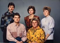 WAT120001097 Gezin. (E186E).Kinderen uit het huwelijk van Petrus Steur en Maria KarregatPetrus J. Steur, fabr.arb, ...