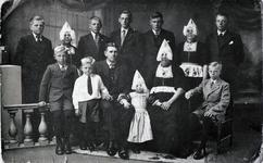 WAT120001099 Gezin. (E586E).Mathijs (Thijs Steur), boer aan het Noordeinde, geboren 11-09-1895, overleden 18-12-1969, ...