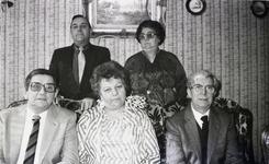WAT120001111 Gezin. (E597E).Kinderen uit het huwelijk van Cornelis Tol en Grietje Tuijp: Bruin, Jan, Grietje, Tiny en ...