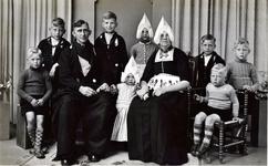 WAT120001232 NO NAME/Fotoverz. 2015 G 4 gezinnen op naam van de man naar het archief 23092012/Veerman. Hendrik (de Bun) ...