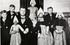 WAT120001234 NO NAME/Fotoverz. 2015 G 4 gezinnen op naam van de man naar het archief 23092012/Veerman. Henk (Toet) x ...