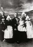 WAT120001286 NO NAME/Fotoverz. 2015 G 4 gezinnen op naam van de man naar het archief 23092012/Visser. Dirk (Kik) ...
