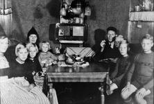 WAT120001290 NO NAME/Fotoverz. 2015 G 4 gezinnen op naam van de man naar het archief 23092012/Vlaanderen. Klaas v (Pan) ...