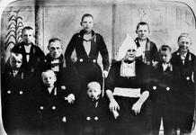 WAT120000948 Gezin. (E091E).Bruining Schilder (Bruin van Kippie), visventer, geboren op 07-01-1874 te Volendam, ...