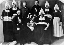 WAT120000958 Gezin. (E475E).Foto: Kees Schilder x Lijst Tol met hun kinderen; Jannetje, Thames, Neeltje, Freek, Aagt, ...