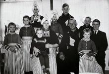 WAT120000965 NO NAME/Fotoverz. 2015 G 4 gezinnen op naam van de man naar het archief 23092012/Schilder. Gerrit (Joep) ...