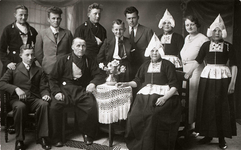WAT120001070 Gezin. (E320E).Jan Snoek, visser, geboren op 14-08-1883 te Volendam, overleden op 30-11-1964 te Volendam ...