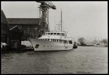 WAT050000880 De Tonya , schip gebouwd bij Hakvoort
