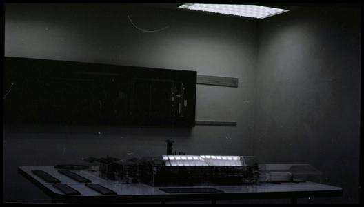 28890 FDSTORK-12306 3 opnamen op één strook, opnames van een maquette op een tafel., 1950-00-00