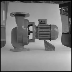 29310 FDSTORK-12334 3 opnamen op één strook, opnames van een babypompje op een tafel., 1950-00-00