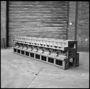 29717 FDSTORK-12354 3 opnamen op één strook, opnames in een werkplaats met een onderdeel van een machine., 1950-00-00