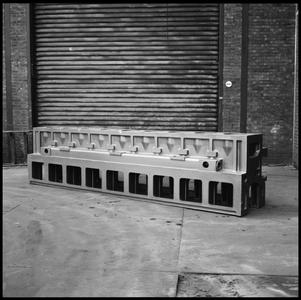 29718 FDSTORK-12355 3 opnamen op één strook, opnames in een werkplaats met een onderdeel van een machine., 1950-00-00