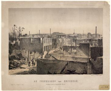13 -9 Afbeelding van de puinhopen van Enschede, genomen vanaf de Gronausche straat, naar een foto van C.E. Westenborg. ...