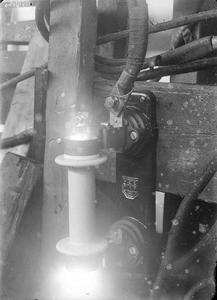 10013 FDHEEMAF002142 Vlamboog tijdens beproeven open buispatroon, 1921-12-01