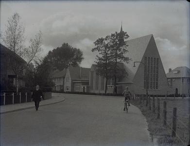 1 FDSPAARNE001 Stadsuitbreiding Parkweg Almelo, opname van de kerk aan die straat., 1935-10-25