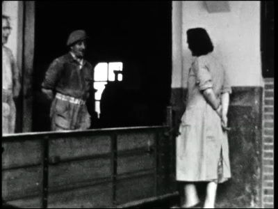 10172 BB02215 Een zg. Adolfsfilm over Haaksbergen, met beelden van de coöperatieve landbouwvereniging (C.L.V), de ...