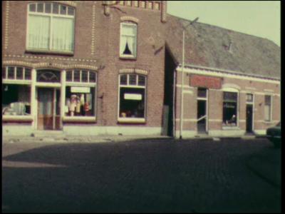 10174 BB02217 Film over Haaksbergen, met beelden van het centrum, de Oostendorper watermolen en wederom het centrum., ...