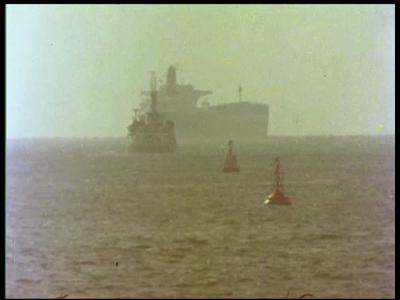10317 BB00441 Een film over de havenradar van Signaal.