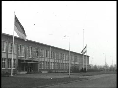 10320 BB00444 Een film rondom het bezoek van minister van Oorlog en Marine Ir. C.Staf samen met zijn West-Duitse ...