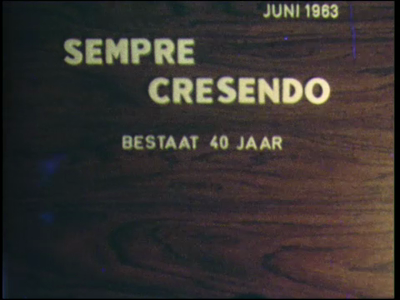 10538 BB02257 Reportage over de activiteiten van muziekvereniging Sempre Crescendo te Diepenveen in 1963 (40-jarig ...