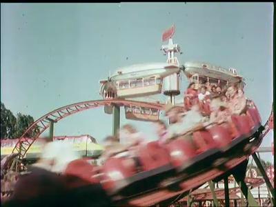 10552 BB02271 Reclamefilmpje met beelden van de kermis in Ponypark Slagharen.