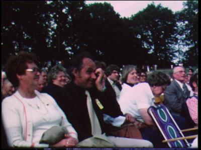 10852 BB02283 Een film rondom dansgroep 'De Krekkel' uit Enschede en hun reis naar Denemarken, met beelden van o.a. een ...