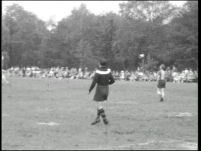 10855 BB02286 Een film van de Coöperatieve Boerenleenbank, met beelden van sportieve activiteiten, paardendagen, ...