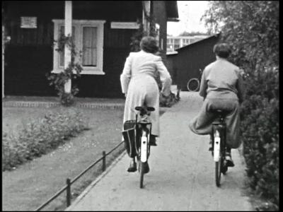 10859 BB02290 Een film van de Coöperatieve Boerenleenbank, met diverse beelden van o.a. de mogelijkheden tot sparen ...