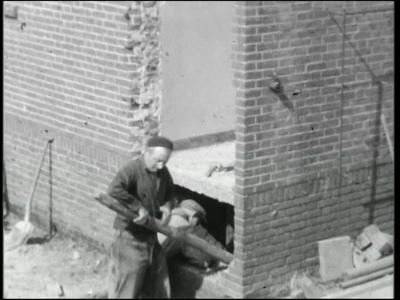 10861 BB02292 Een film van de Coöperatieve Boerenleenbank Almelo, met beelden van een verbouwing en de filialen in ...