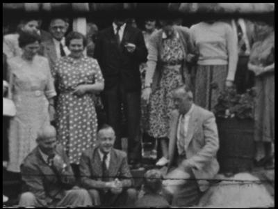 10932 BB00141 Samenvatting:Privé-opnames van een gezelschap bij hotel-pension De Uitkijk en beelden van een bezoek van ...