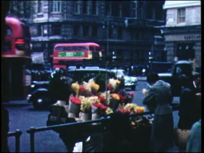 10934 BB00143 0:28:31 Beelden van London op straat.Beelden van een allegorische optocht ter gelegenheid van een ...