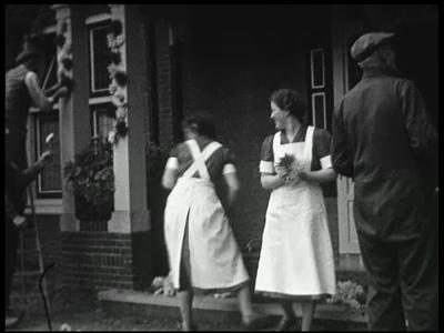 11171 BB02314 Eerste deel van een reportage over de intocht van het bruidspaar Auke en Gerda ter Horst in Rijssen. ...