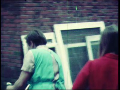 11205 BB02348 Oogstfeest Stöppelhaene in Raalte.In volgorde van vertoning:1970Buitenopnamen van de AVEBE fabriek. ...