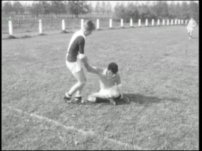 11476 BB01796 Samenvatting:Adolfsfilm over het dorp Rijssen in 1965. Beelden van het alledaagse leven. Op het ...
