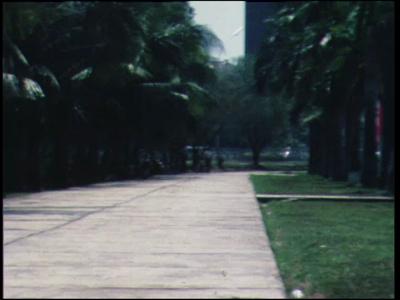 11480 BB01800 Een film rond het bezoek van het Twents bataljon aan de graven van gesneuvelde kameraden op het ...