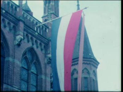11553 BB02933 Koningin Beatrix en Prins Claus in Zwolle, vermoedelijk gemaakt in 1965, tijdens de kennismakingstoer van ...