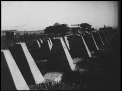 11705 BB01292 Samenvatting:Compilatie van Duitse filmjournaals over de inval in Luxemburg en Nederland en een ...