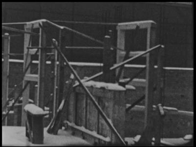 11790 BB01822 Samenvatting:Film over de bouw en de opening van het clubgebouw van N.S.V., de sportvereniging van de ...