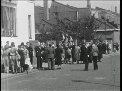 11791 BB01823 Een film rond het 50-jarig jubileum van Nico ter Kuile&Zn. (1896), met een tocht naar de Julianatoren te ...