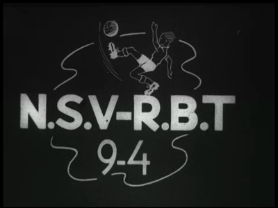 11794 BB01826 Een film met beelden van een voetbalwedstrijd tussen N.S.V. en R.B.T., met de aftrap door Dhr. Richelman, ...